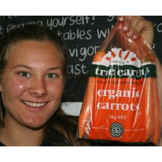 NEW SEASONS TRUE EARTH ORGANIC CARROTS  1 KG Bag Hastings Grown